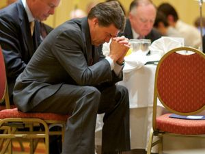 rick-perry-prayer